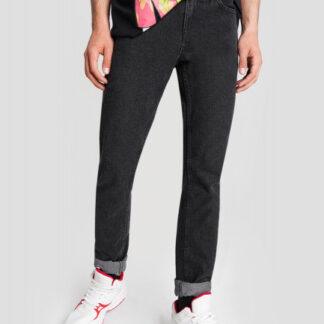 Чёрные зауженные джинсы O`Stin