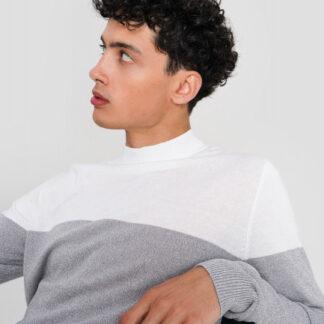 Джемпер с колорблоком тонкой вязки O`Stin